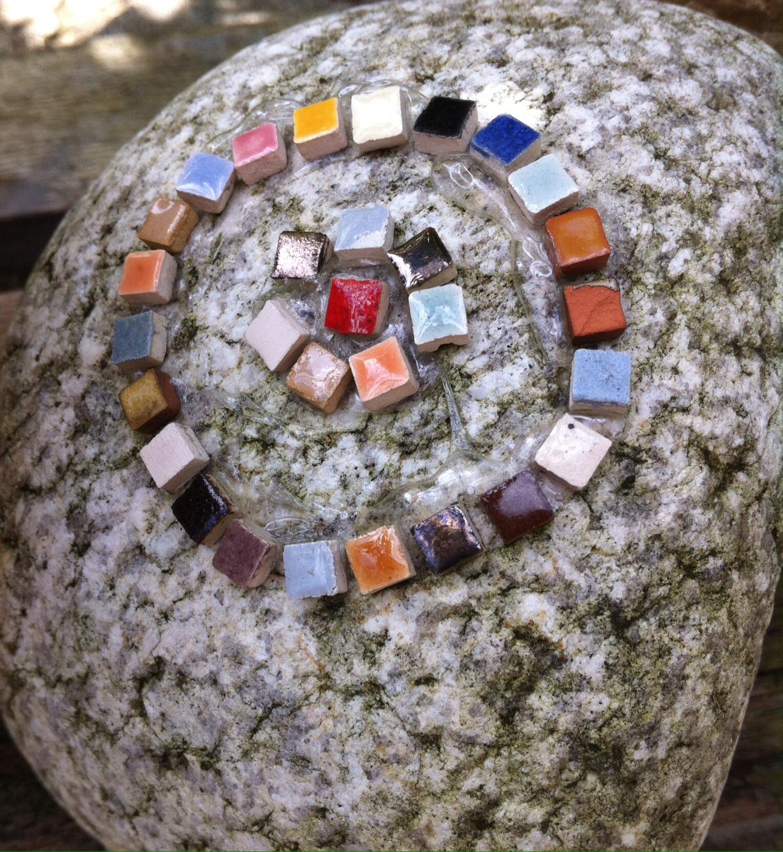 Mosaik im garten ganz einfach selbst gemacht glutenfreie rezepte kreative ideen - Garten mosaik ...