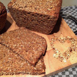 Brot backen Glutenfrei Brotbackschale römertopf