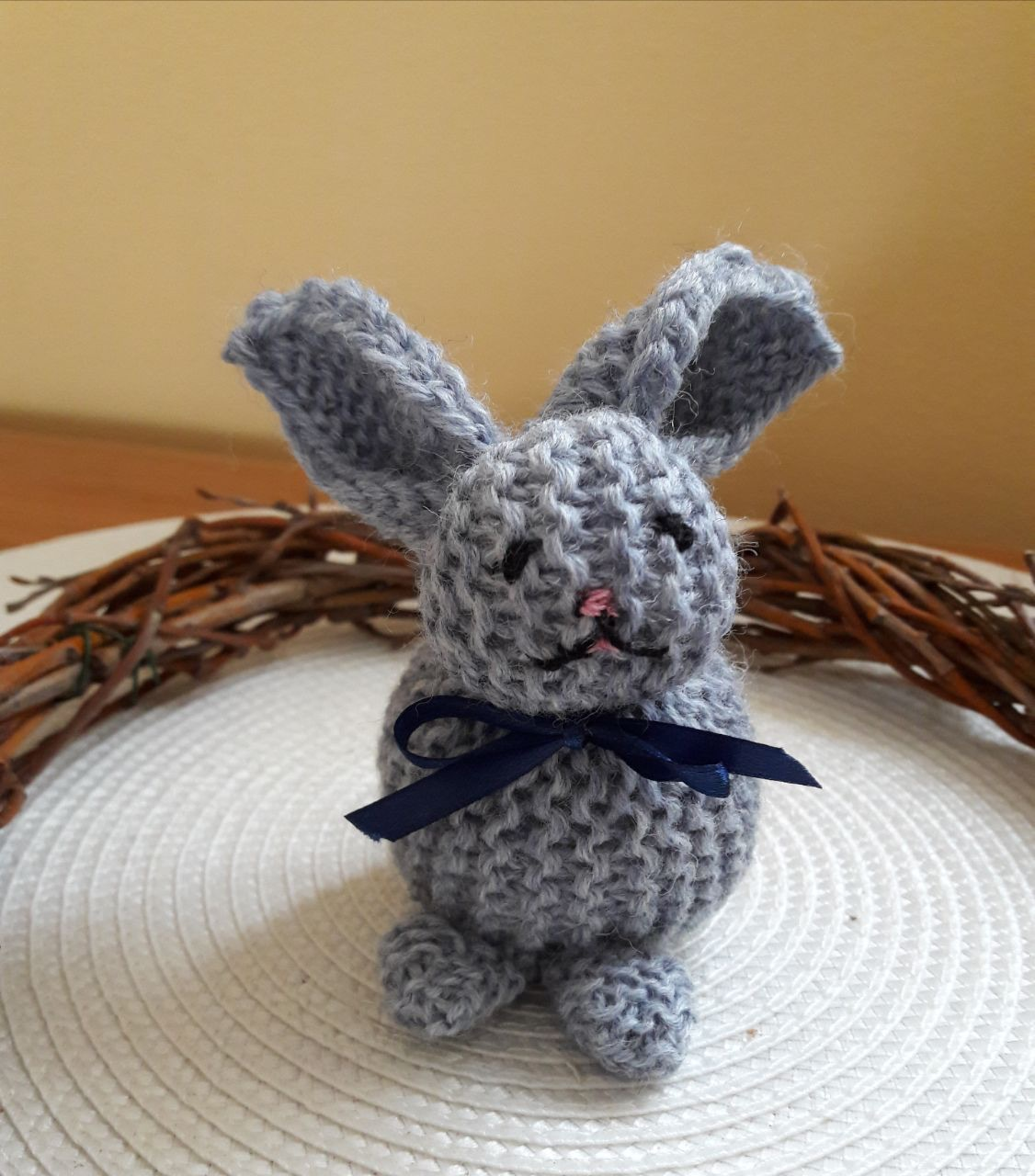 Osterhase stricken