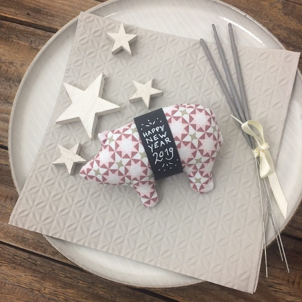 Schweinchen für Silvester nähen Gratisanleitung
