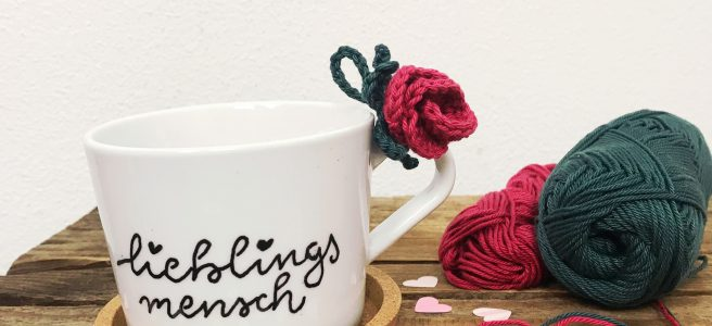 Valentinstags Geschenk DIY Geschenk gehäkelte Rose
